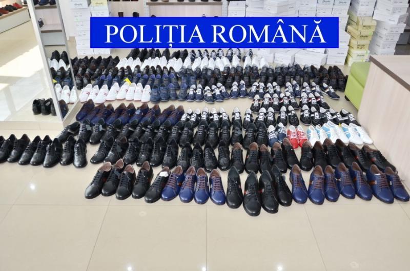 Peste 2.100 perechi de pantofi, fără acte de proveniență, confiscaţi în Vladimirescu