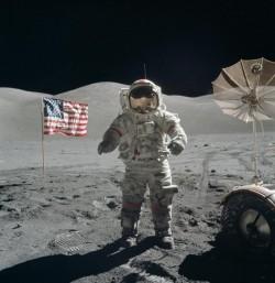Ultimul om care a pășit pe lună A MURIT!