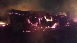 Incendiu de proporții în Arad! O casă a ars ! (FOTO)