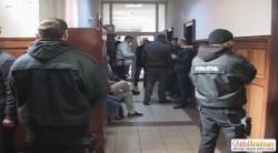 Traficanţii de migranţi au ajuns la Parchet cu mandate de aducere (FOTO/VIDEO)