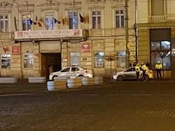 PSD nu cedează, se anunţă a patra zi de proteste. Poliţia a luat poziţii la Arad în faţa sediului PSD