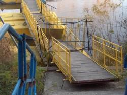 Primăria Arad reacţionează promt în cazul podului de pontoane de la insula a treia
