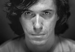 Mircea Cărtărescu, editorial de excepţie pentru cotidianul francez  LE MONDE