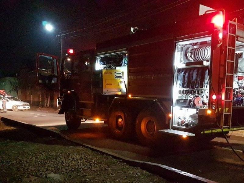 Incendiu în cartierul Bujac