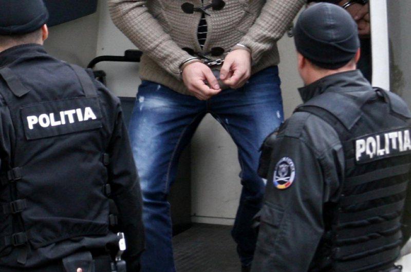 Urmărit internațional, depistat de polițiștii arădeni