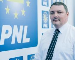 """Adrian Barbeș (PNL): """" Deputatul PSD Todor face ceea ce știe cel mai bine: NIMIC!"""""""