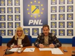 """Ovidiu Moșneag (PNL): """"PSD se joacă de-a uite banul, nu e banul  pe spatele arădenilor!"""""""