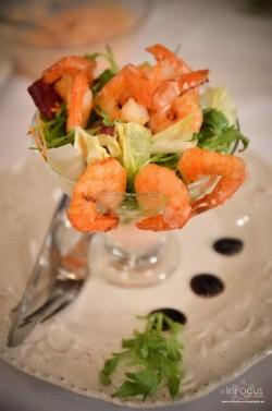 Reţeta săptămânii - Salată de creveţi cu sos Marie Rose -de Alina Bucatoș