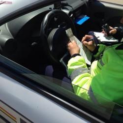 Bilanţ sumbru pentru şoferii arădeni în doar 24 de ore: 255 sacţiuni, 16 permise şi 8 certificate de înmatriculare reţinute!
