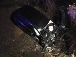 Tragedie pe o şosea din vestul ţării! Trei morți și doi răniți după ce maşina s-a înfipt într-un cap de pod!