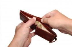Peste o treime dintre români au întârzieri la plata ratelor şi utilităţilor