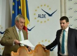 Vicepremierul Daniel Constantin, copreşedinte ALDE, a fost dat afară din guvern