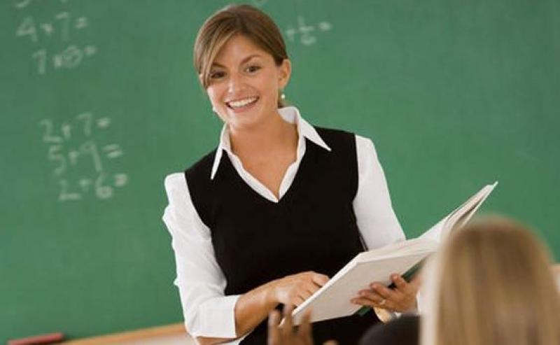 Profesorii vor primi spor de vestimentație! Ponta și Opoziția critică acest proiect ! Vezi ce salarii se măresc, şi cu cât !