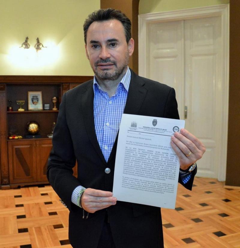 Falcă doreşte relocarea unei importante universităţi internaţionale la Arad