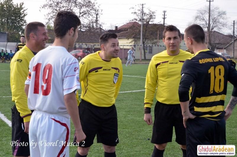 Liga 4 judeteana - FOTBAL: UTA III – Șoimii Lipova  0 - 4 (Galerie FOTO)