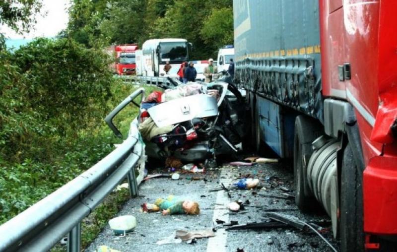 UPDATE ! Accident grav în această dimineaţă, în apropiere de Lipova !