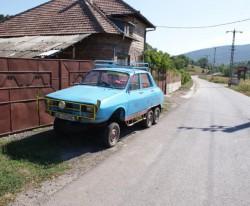Un român a inventat o Dacie cu plug şi şase roţi