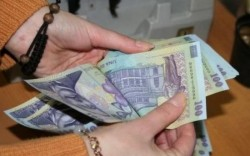 Cât au cheltuit românii de Sărbătoarea de Paște în 2017