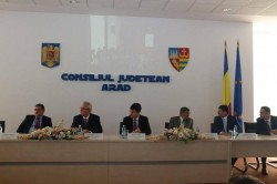 Şedinţă festivă la Consiliul Judeţean Arad la aniversarea a 25 de ani de existenţă