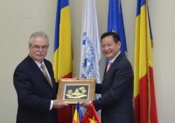 Ambasadorul Vietnamului în România, în vizită la CCIA Arad