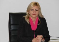 """Claudia Boghicevici: """"Deputatul Tripa nu înţelege nimic din administraţie"""""""