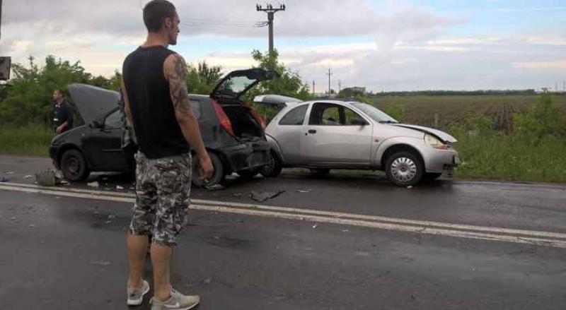 4 mașini implicate într-un accident, sâmbătă seara !