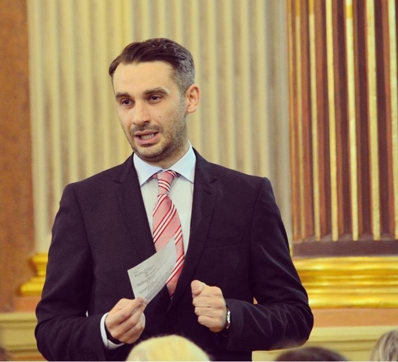 Primăria câştigă procesul cu fostul manager al filarmonicii, Alin Văcean