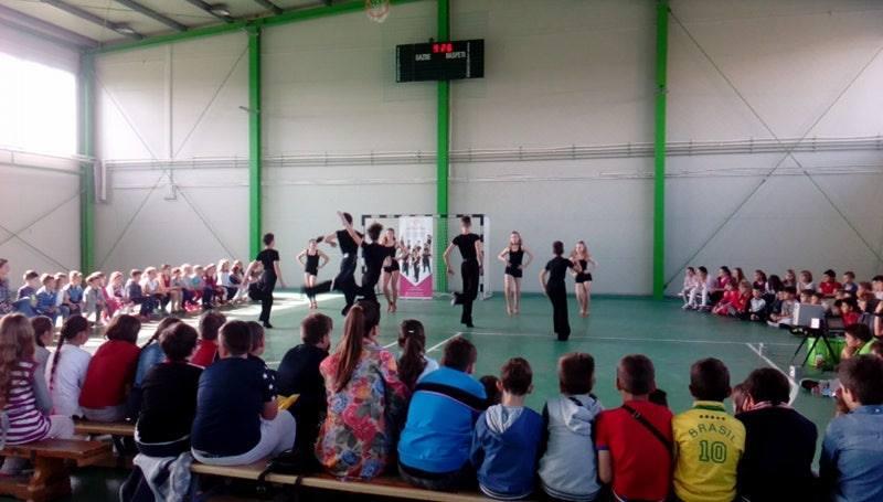 Elevii Liceului cu Program Sportiv Arad, în pași de dans !