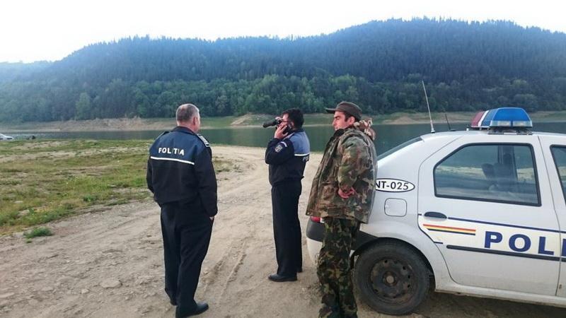 Trei tineri prinşi la braconaj în zona Gurahonţ. Au fost găsiţi cu armă confecţionată artizanal