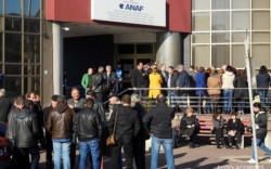 Protest spontan la ANAF Arad