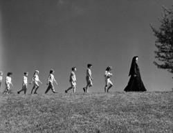 Şoc la o şcoală catolică din Buenos Aires! Trei preoţi şi o călugăriţă acuzaţi de viol!