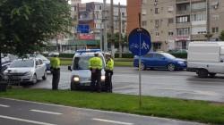 ATENȚIE Șoferi pe unde parcați ! Poliția Locală din Arad e la datorie !