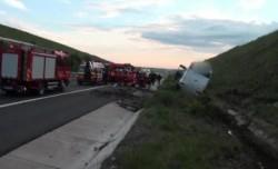 Microbuz ce transporta 20 de copii s-a răsturnat ! Șoferul a murit !