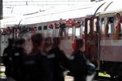 Tensiune mare în rândul suporterilor timișoreni ! Arădenii s-au deplasat într-un număr foarte mare la Timișoara ! Plecarea din Gara Arad (VIDEO)