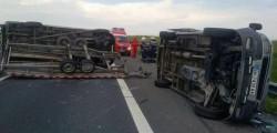 Accident grav pe Autostrada Timisoara Lugoj! 7 oameni au scapat cu viata miraculos
