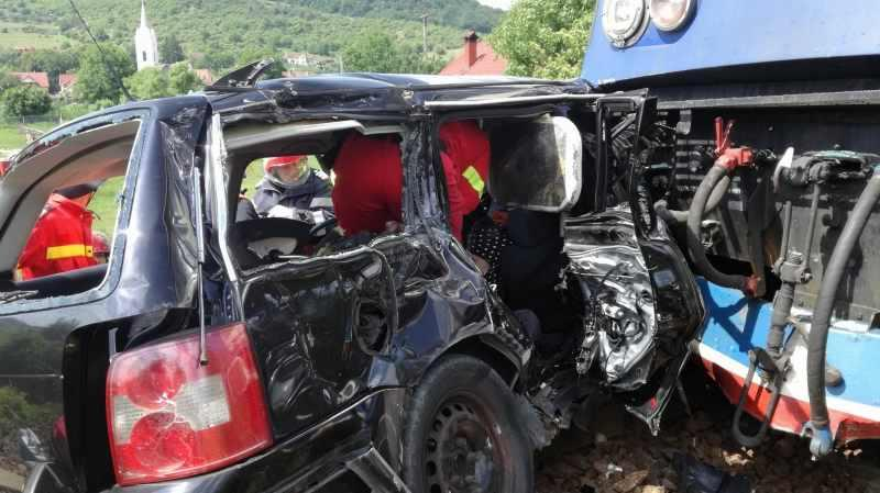 TRAGEDIE într-o familie, chiar de 1 iunie ! Patru frați implicați într-un accident grav de tren, trei dintre ei au murit , iar o surioară a lor este în stare gravă !