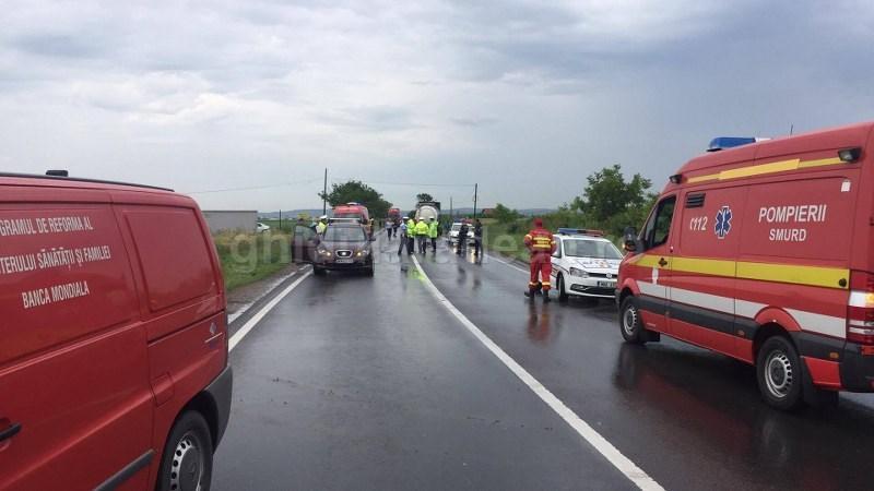 Accident pe drumul Arad-Oradea (Galerie FOTO)