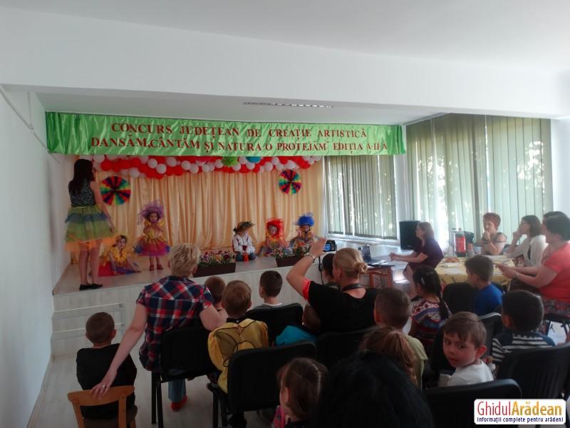 Concurs impresionant, plin de muzică, armonie și culoare la Grădinița Piticot din Arad ! Vezi GALERIE FOTO