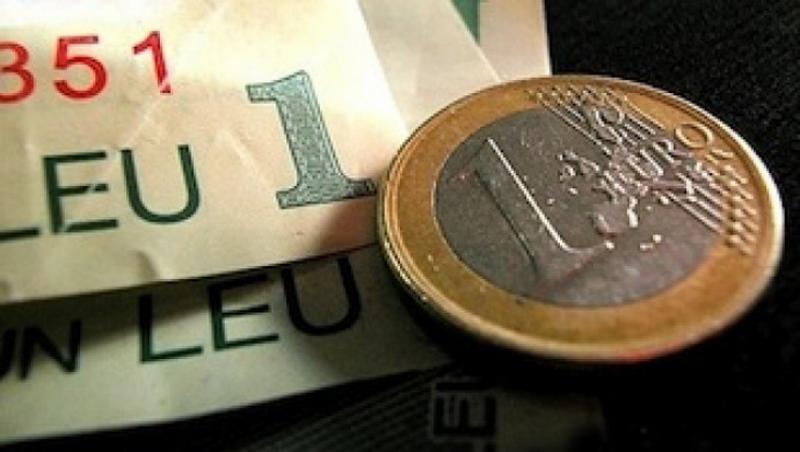 Instabilitatea politică loveşte în moneda naţională. Cel mai slab leu din ultimii 5 ani!