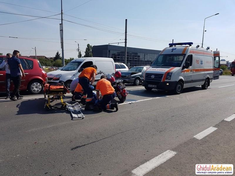 Accident în lanţ pe Calea Aurel Vlaicu în faţă la RAR