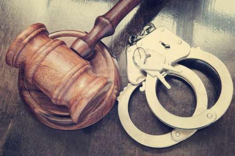 După reţinerea de 24 de ore a Comisarul șef Cosmin Bratu, judecătorii au hotărât: 60 de zile sub control judiciar