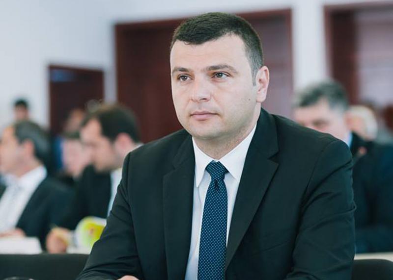 """Sergiu Bîlcea(PNL): """"Se lucrează la drumuri în Micălaca!"""""""