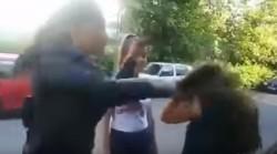 VIDEO ȘOCANT ! Elevă bătută și umilită în ultimul hal, de alte colege ! (Atenție, imagini ce vă pot afecta emoțional )