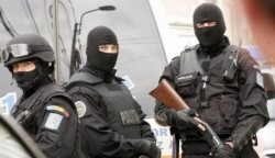 Percheziţii de amploare în Arad şi Timiş pentru destructurarea unui grup infracţional!