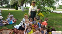 Sărbătoarea Sânzienelor sărbătorită de artista popular Maria Aiftincăi și copilașii de la Grădinița Bambi !