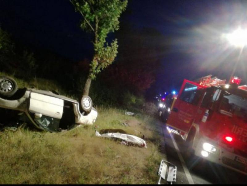 Accident grav în Zerind, 5 victime din care 3 bărbaţi decedaţi!