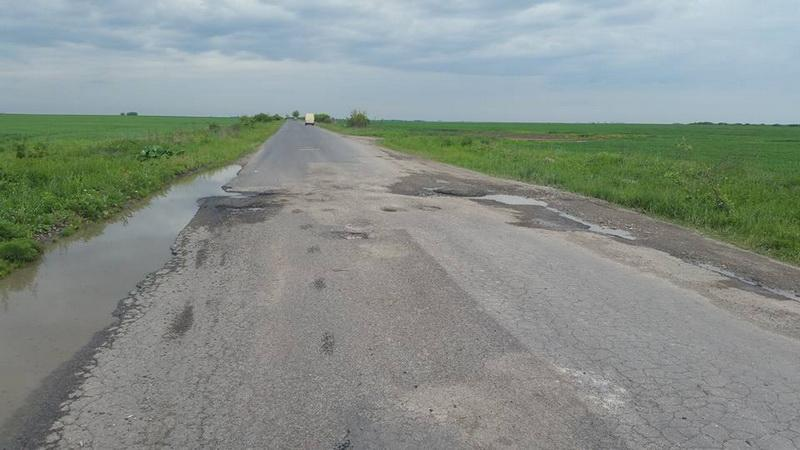 Sume consistente pentru trei drumuri judeţene din Arad