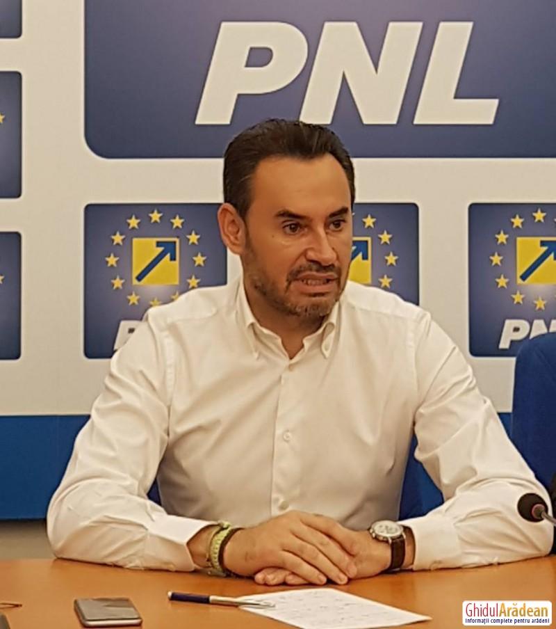 """Gheorghe Falcă: """"Micul deputat  PSD, Todor se laudă cu sărăcia pe care guvernul său a împărțit-o Aradului!"""""""