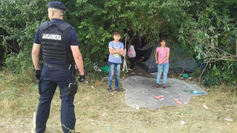 Refugiații au improvizat o tabără la marginea orașului Timișoara !