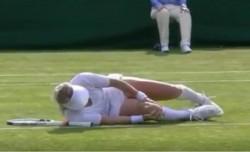VIDEO | Momente de panică la Wimbledon. Adversara Soranei Cârstea s-a prăbuşit pe teren